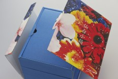 ギフト箱 花柄スリーブ